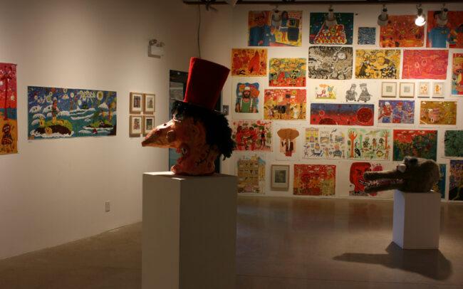 Vue de l'exposition Psychedada à la galerie AKA de Saskatoon